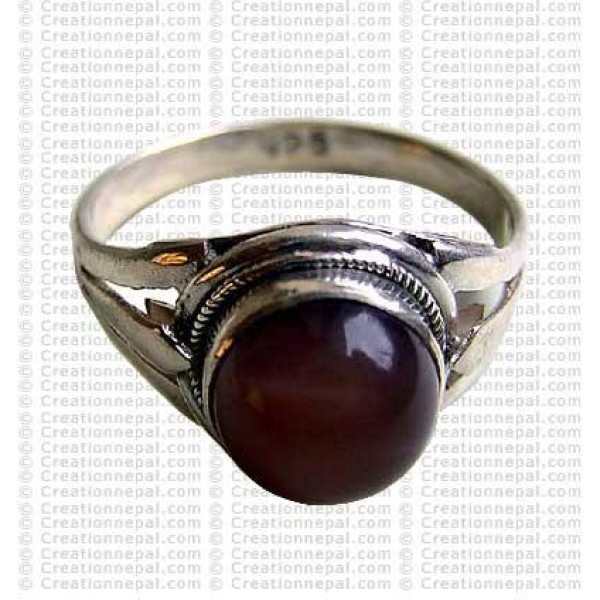 Cat eye colour stone finger ring