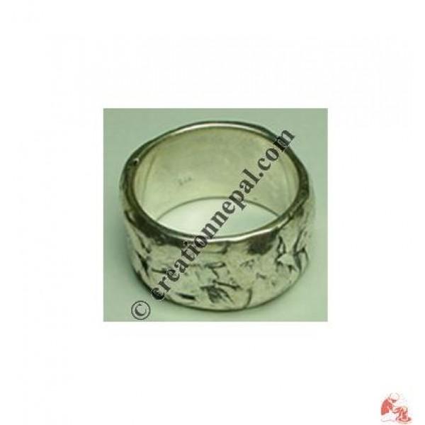 Rough design finger ring