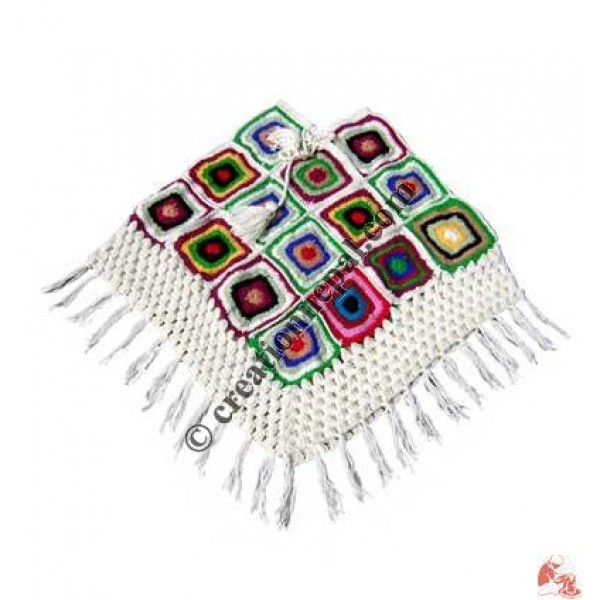 Woolen patcn poncho2