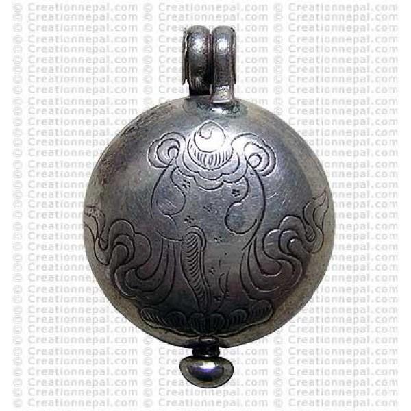 Auspicious silver box pendant 1
