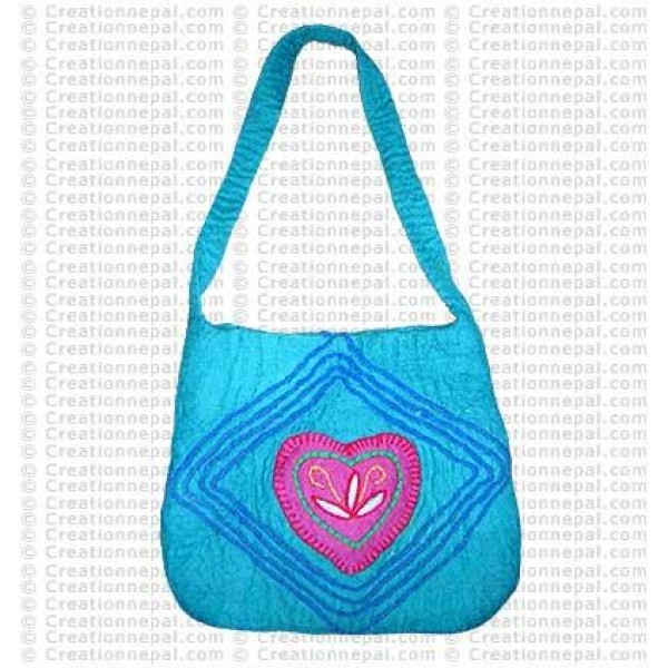 Heart shape patch felt bag 65