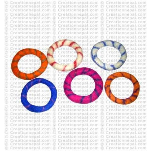 Felt bracelet35