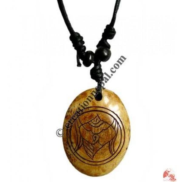 Ritual conch carved pendant