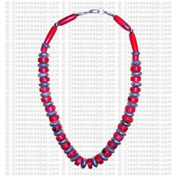Coral tyre necklace