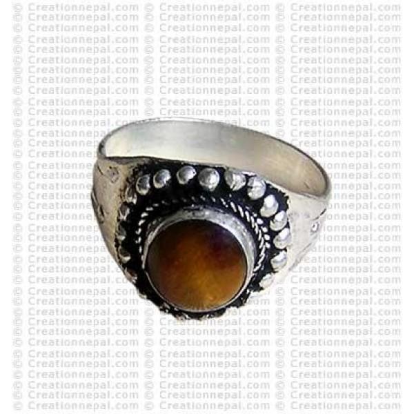 White metal round stone ring