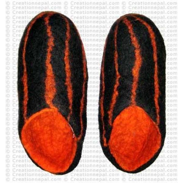 Fully stripes felt shoes