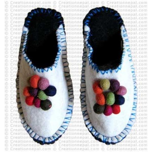Balls designs crochet slipper