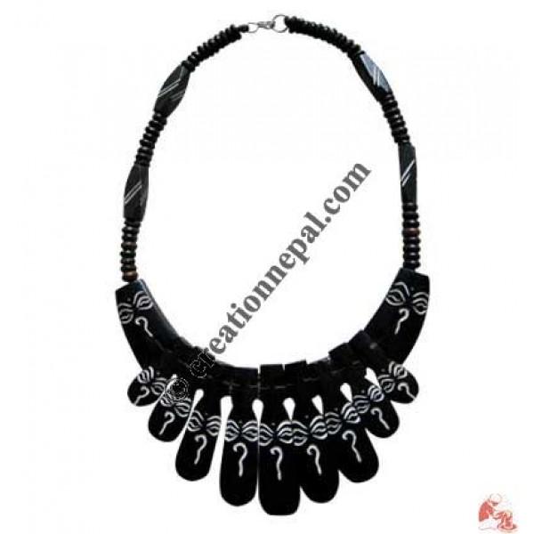 Beads & Buddha eye black necklace