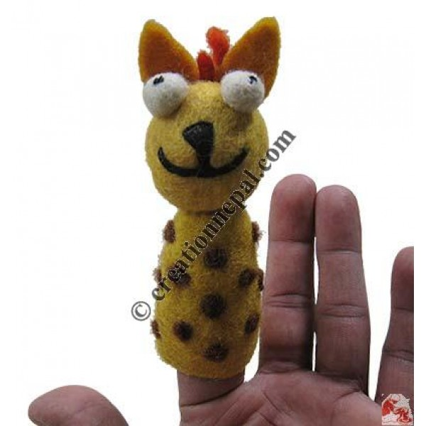 Finger press felt puppet3