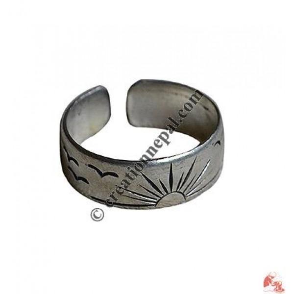 Star carved finger ring