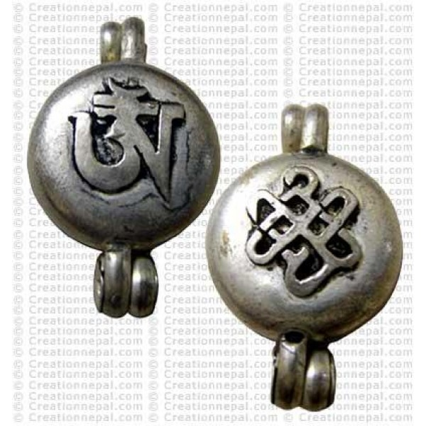 Om craved pendant