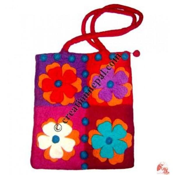 Four-patch felt bag