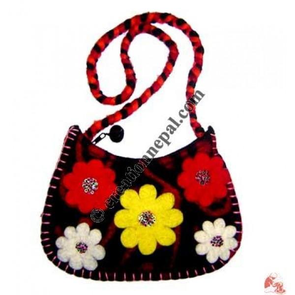 Flower patch felt bag 5