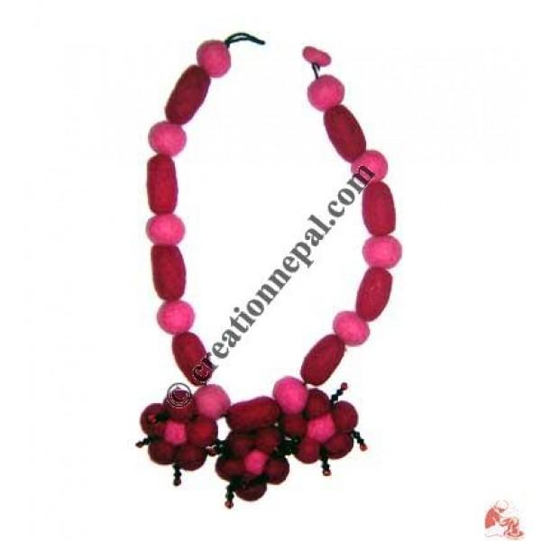 Felt jewel necklace