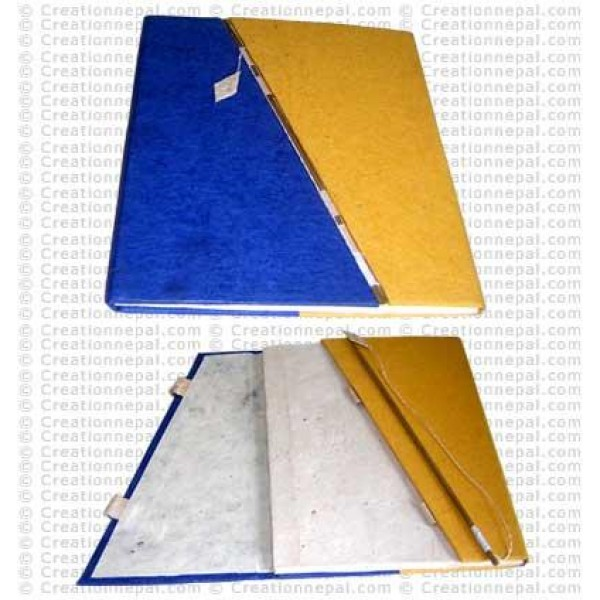 Centre-close notebook