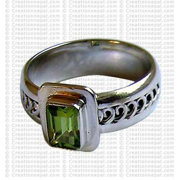 Green colour stone finger ring