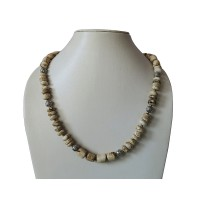 Conch beads necklace
