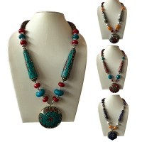 Amber decorated beads necklace with pendent