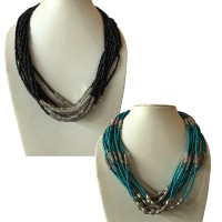 Metal and pote beads round necklace