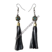 Decorated bead black-grey yarn earring