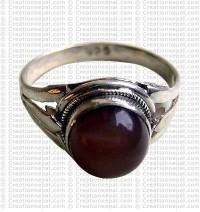 Cat eye colour stone finger ring