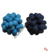 4 cm diameter felt balls