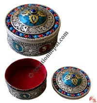 Stone decorated filigree jewelry box3