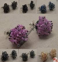 Flower design pote ear stud