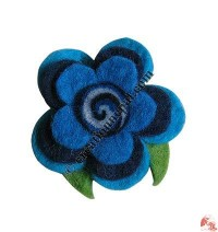 Three-step flower felt brooch