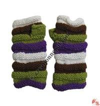 Squeezed woolen hand warmer
