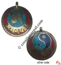 Two-side stone-set round locket 2