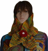 Colorful woolen snood