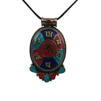 Multi-color decorated large size pendent