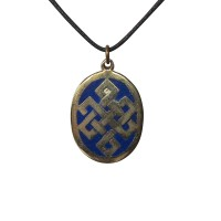 Endless knot oval pendent