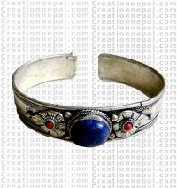One stone Tibetan bangle
