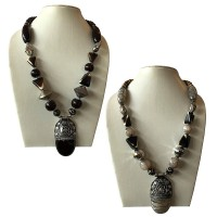Multi-shape shiny beads necklace with pendent