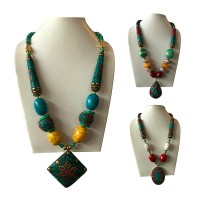 Colorful decorated beads necklace with pendent