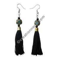 Decorated bead black yarn earring