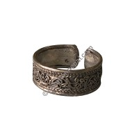 Filigree design white-metal finger ring