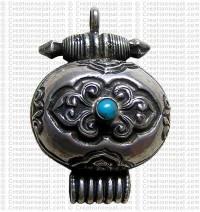 Auspicious silver box pendant