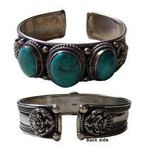 3-stone large Turquoise bangle