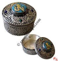 White metal Filigree medium jewelry box1
