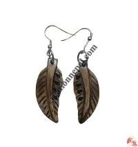 Leaf carved ear ring