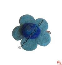 Single flower-spiral felt tic-tic hair clip