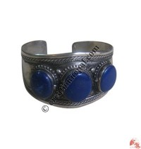 3-stone white-metal bangle1