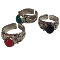 Assorted stone white metal finger ring