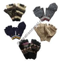 Assorted woolen cover gloves