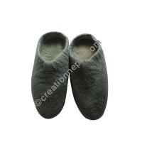 Plain felt slipper1