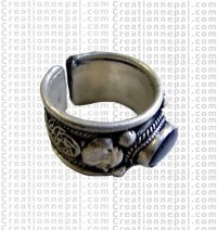 Siko one stone finger ring