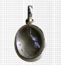 Small crystal pendant